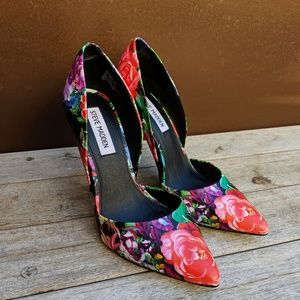 Steve Madden || Floral Heels